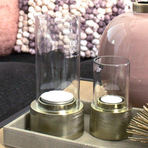 Lampokynttilalyhty LIGHT & LIVING SIGOR, jossa metallinen kantaosa ja lasinen kynttilasuoja